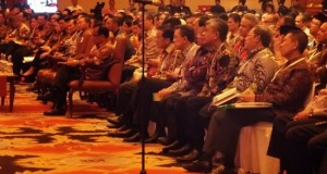 Gubernur Sulut SH Sarundajang ikut Musrembang Nasional yang dibuka Presiden Jokowi dan Wapres M Jusuf Kalla.