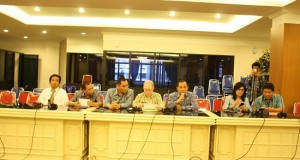 Jajaran keasistenan dan biro setda Pemprov Sulut gelar jumpa pers terkait aksi fitnah pada Gubernur