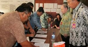 Penandtanganan pakta integritas di lingkup Dikpora Sulut, Kamis (22/1)