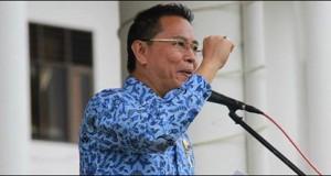 Wali Kota Tomohon Jimmy Eman