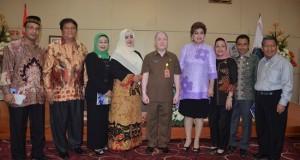 Komisi III DPD RI saat bertatap muka dengan jajaran Pemprov Sulut yang dihadiri Asisten I John Palandung.