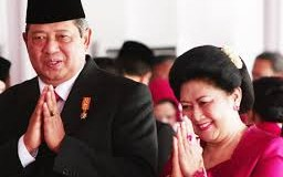 Mantan Presiden RI Susilo Bambang Yudhoyono (SBY) dan Ibu Anny Yudhoyono.