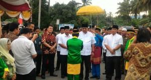 Gubernur Sulawesi Utara Olly Dondokambey,SE dan rombongan disambut oleh pemerintah dan masyarakat Bolmut.