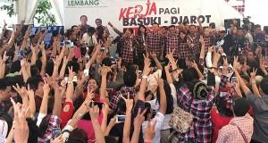 "Incumbent Jakarta gubernatorial candidate pair Basuki ""Ahok"" Tjahaja Purnama-Djarot Saiful Hidayat greet their supporters at their campaign team's headquarters at Rumah Lembang in Menteng, Central Jakarta."