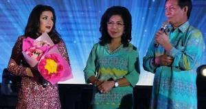 Gracia Lumentut ikut meramaikan dilaunchingnya Manado Fiesta 2017 oleh Walikota Manado