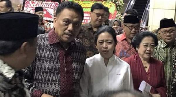 Gubernur Sulut Olly Dondokambey SE bersama Megawati Soekarno Putri dan Puan Maharani