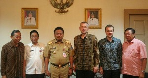 Gubernur Sulut Olly Dondokambey SE saat menerima kunjungan kerja Dubes Negara Belarus