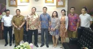 Wagub Sulut Drs Steven OE Kandouw saat menerima kunjungan delegasi Negeri Tirai Bambu