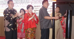 Pembukaan Rapat Kerja Daerah Dewan Kerajinan Nasional Prov Sulut oleh Gubernur Olly Dondokambey SE