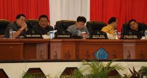 Rapat Paripurna DPRD Sulut yang dihadiri Gubernur Olly Dondokambey SE dan Wagub Drs Steven OE Kandouw