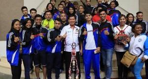 Walikota Manado Dr Ir GSV Lumentut SH MSi DEA bersama atlit Kota Manado yang berhasil menyabet Juara di PORPROV IX Sulut 2017 di Minahasa