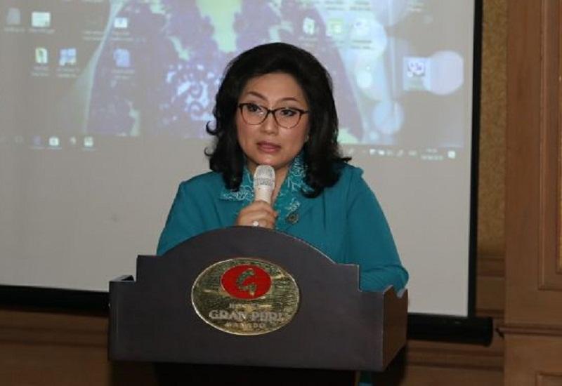 Ny Ir Rita Maya Dondokambey - Tamuntuan saat menyampaikan sambutan di Peringatan HG