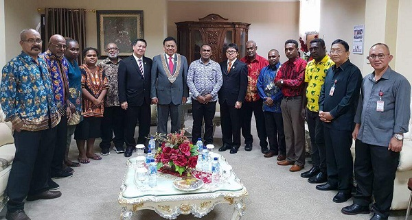 foto para delegasi CTI dari Negara Kepulauan Salomon bersama Petinggi Pemprov Sulut