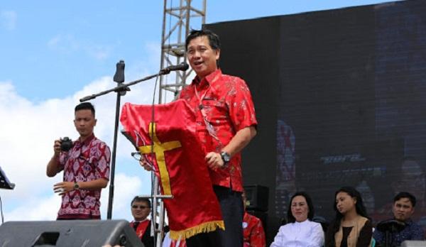 Wagub Drs Steven OE Kandouw selaku Ketua Umum Pelaksana HAPSA dan POR PKB Sinode GMIM tahun 2018