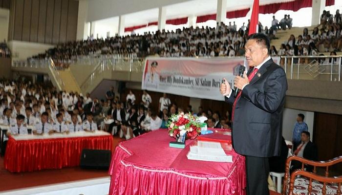 Inilah sosok Sang Meneer saat berbagi ilmu dengan generasi penerus Sulawesi Utara