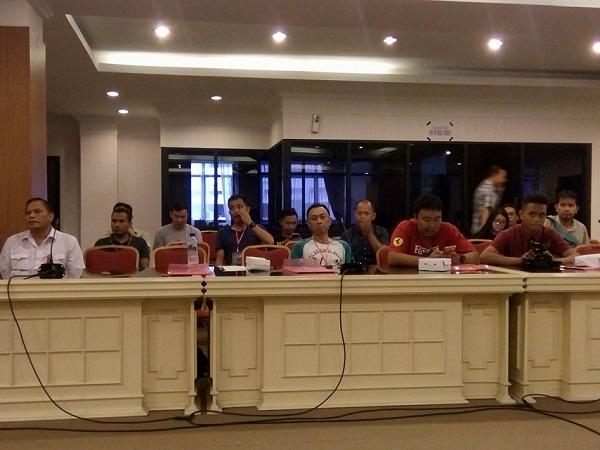 para jurnalis selaku peserta Seminar