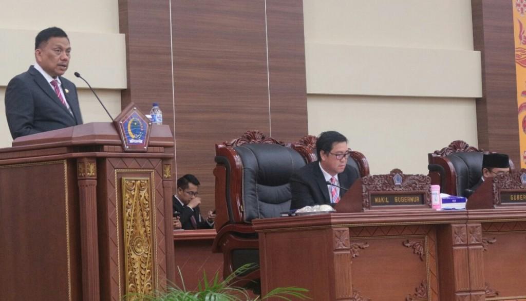 Gubernur Sulut Olly Dondokambey SE saat menyampaikan sambutan pada Rapat Paripurna Istimewa DPRD Sulut dalam rangka penyerahan LHP BPK Atas LKPD Pemprov Sulut
