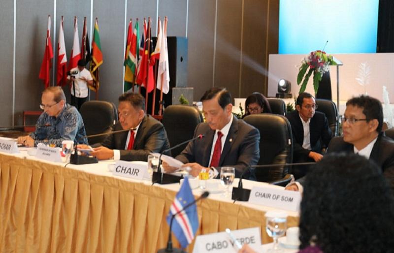 Menteri Koordinator Bidang Kemaritiman Luhut Binsar Panjaitan saat menyampaikan materi di Forum Negara Kepulauan