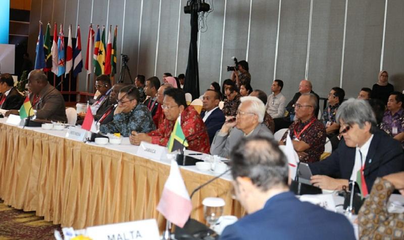 Sekretaris Daerah Provinsi Sulut Edwn SIlangen SE MS saat mengikuti Forum Internasional Negara Kepulauan