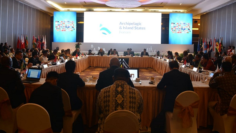 Suasana Forum Internasional Negara Negara Kepulauan saat penyampaian materi oleh masing-masing delegasi