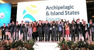 Delegasi Negara Kepulauan Hasilkan DEKLARASI MANADO, Kamis (01/11/2018)