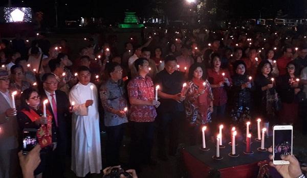 Seribu Lilin dinyalakan sebagai makna menyambut tahun baru yang penuh cahaya sekaligus mengenang para korban bencana di tahun 2018