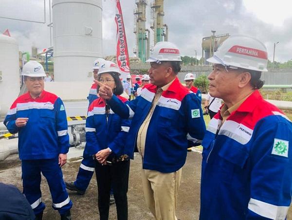 Gubernur Olly Dondokambey SE didampingi Rektor Unsrat Ellen Kumaat dan Walikota Tomohon Jimmy F Eman saat meninjau Panas Bumi Geotermal Lahendong