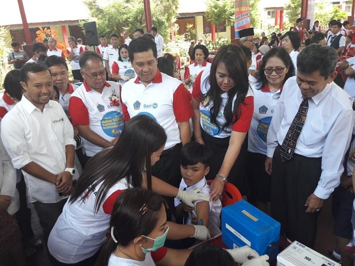 Wagub Sulut Drs Steven OE Kandouw didampingi Karo Kesra dr Kartika Devi Kandouw Tanos MARS, Sekda Minahasa J Korengkeng SH dan perwakilan UNICEF dr
