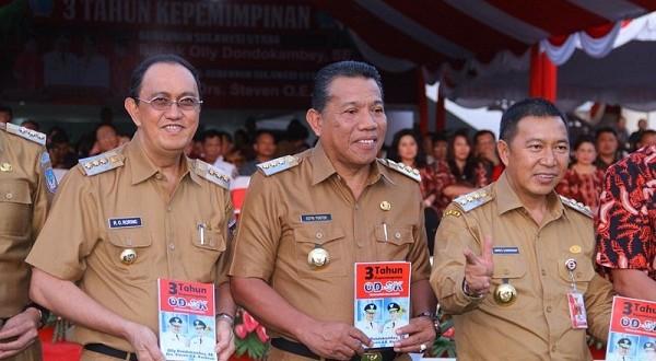 Bupati Minahasa Ir Royke O Roring MSi (kiri) saat hadiri acara Syukur 3 Tahun ODSK Pimpin Sulut, Selasa (12/02/2019) sore