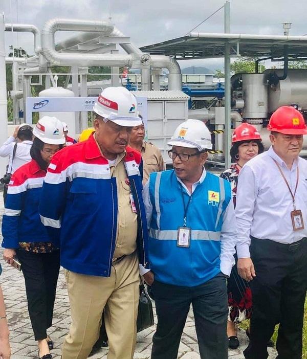 Gubernur Sulut Olly DOndokambey SE saat meninjau area Panas Bumi Lahendong untuk Pembangkit Listrik