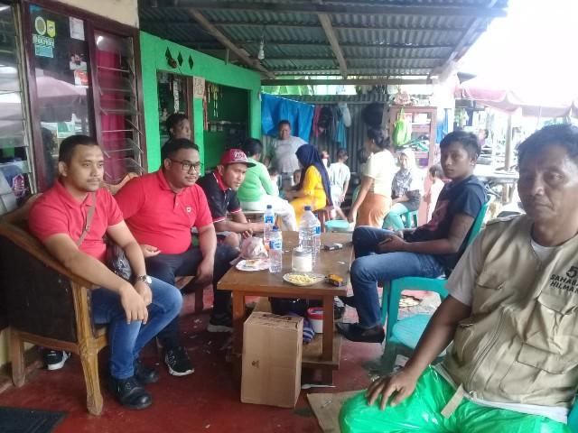 Hilman Firmansyah Idrus ST (kedua dari kiri) saat berkunjung di kediaman Panglima Brigade Masjid BKPRMI Sulut, Sabtu (02/02/2019)