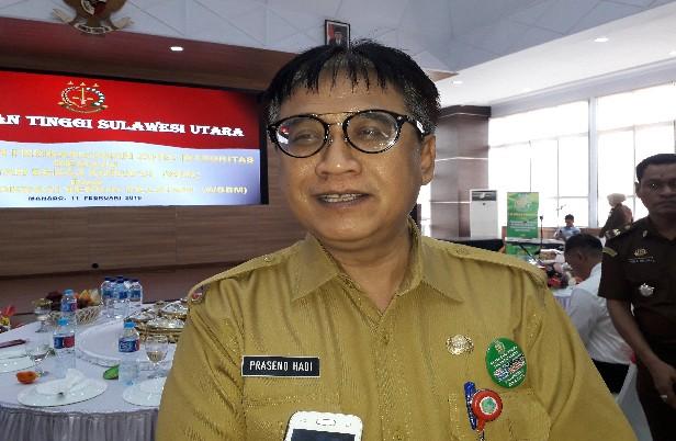 Asisten Administrasi Umum Setda Pemprov Sulut Praseno Hadi saat mewakili Gubernur Sulut pada kegiatan Pencanangan Zona Integritas di Kejati Sulut, Senin (11/02/2019)