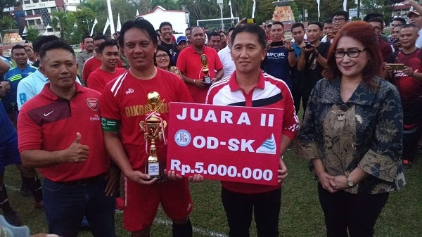Tim PNS Futsal Dinas Pendidikan Daerah (Dikda) Provinsi Sulut yang berhasil meraih posisi kedua