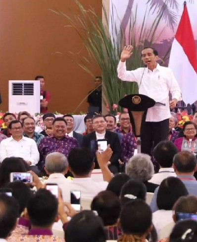 Presiden Jokowi saat membawakan sambutan di acara KGM PGI