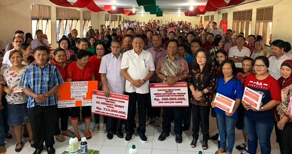 Bantuan juga diberikan kepada masyarakat melalui program PKH dari Dinas Sosial Provinsi Sulut