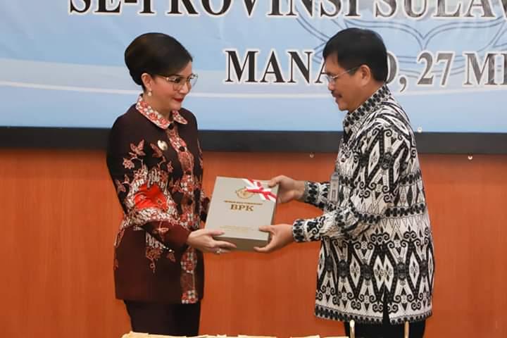 Bupati CEP menerima dokumen hasil audit LKPD Pemkab Minsel TA 2018 dengan Opini WTP dari BPK RI Perwakilan Sulut