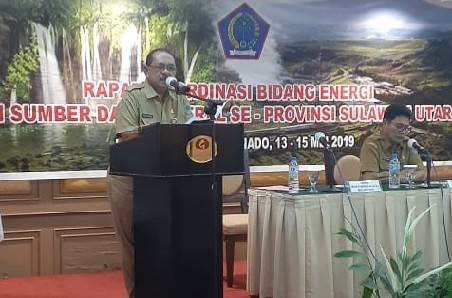Asisten Bidang Pemerintahan dan Kesra Setda Pemprov Sulut Drs Edison Humiang MSi