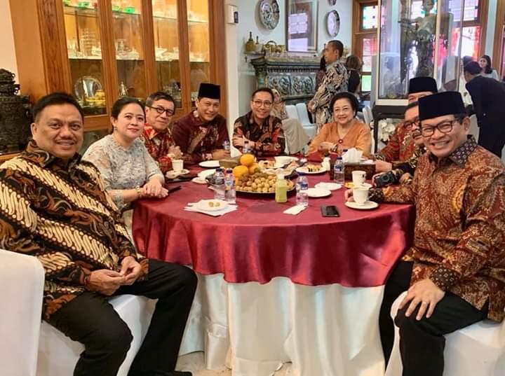 Gubernur Olly Dondokambey SE bersama para tokoh dan anak bangsa saat bersilaturahmi ke Megawati Soekarnoputri