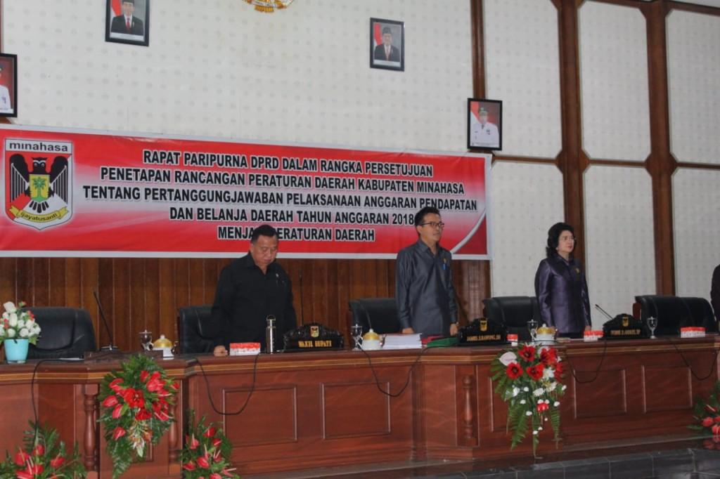 Rapat Paripurna DPRD Kabupaten Minahasa dalam rangka Persetujuan Penetapan Perda Pertanggungjawaban Pelaksanaan APBD TA 2018, Jumat (21/06/2019)