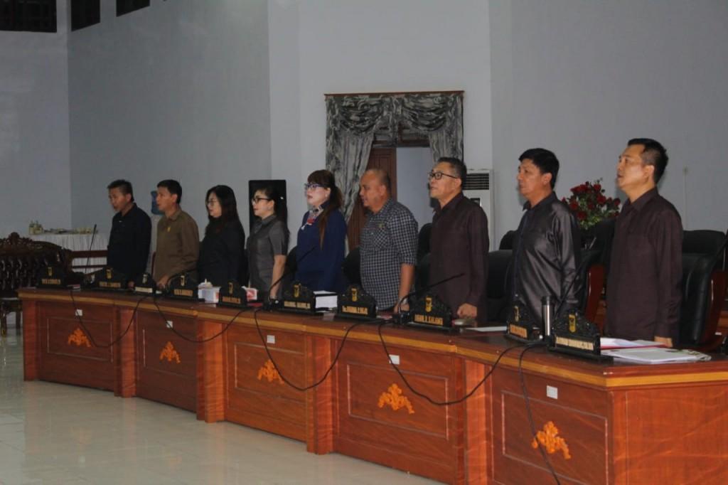 Para Anggota DPRD Kabupaten Minahasa yang hadiri Rapat Paripurna, Jumat (21/06/2019)