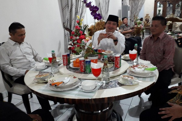 Wagub Kandouw saat berada di Rudis Wakil Walikota Nayodo Koerniawan