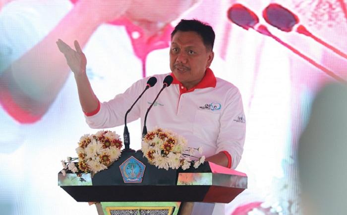 Gubernur Sulut Olly Dondokambey SE saat membawakan sambutan