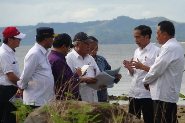 Presiden Joko Widodo memberikan solusi untuk rencana pengembangan kawasan tersebut