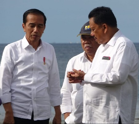 Gubernur Olly Dondokambey SE memberikan informasi tentang rencana Pembangunan Kawasan Ekonomi Khusus Pariwisata Tanjung Pulisan Likupang yang menjadi daya tarik tersendiri dunia pariwisata di daerah