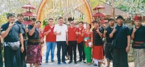 Ketua DPD PDIP Sulut Olly Dondokambey saat berkunjung di Villa Raewaya