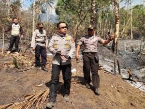 PEDULI: Kapolres Jefri begitu peduli dengan hutan kebakaran di gunung klabat.