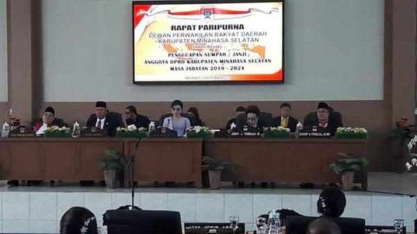 Rapat Paripurna DPRD Kabupaten Minahasa Selatan dalam rangka Pengambilan Sumpah dan Janji serta Pelantikan Anggota DPRD Kabupaten Minsel Periode 2019-2024, Senin (09/09/2019)