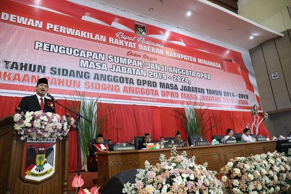 Wakil Gubernur Sulut Drs Steven OE Kandouw saat membawakan sambutan di Pelantikan Anggota DPRD Kabupaten Minahasa Periode 2019-2024