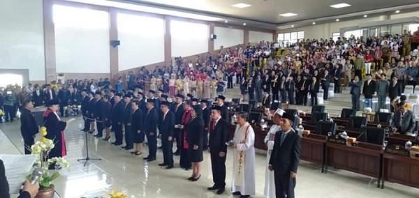 Sumpah dan Janji Anggota DPRD Kabupaten Minahasa Selatan Periode 2019-2024 didampingi Tokoh Agama