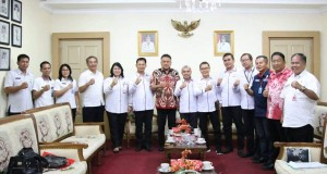 Gubernur Olly Dondokambey SE bersama Dewan Upah Daerah, Rabu (30/10/2019)